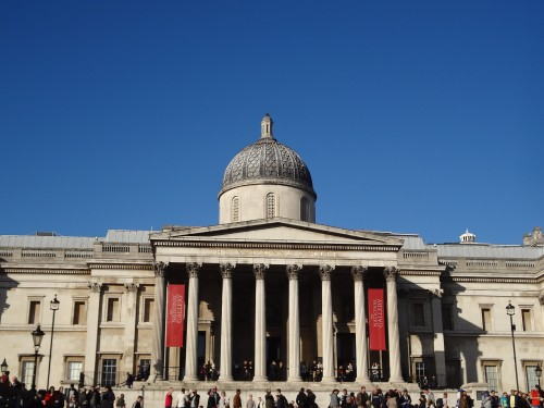 The National Gallery on a beautiful blue sky day