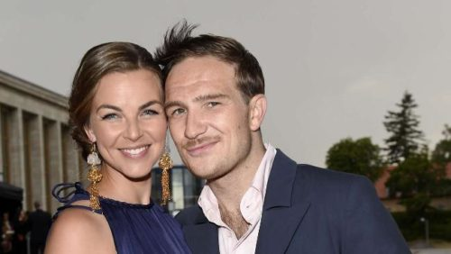 So in Love: Frederick and his wife Annika. Photo Source: bild.de / API